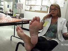 Fantastic sexy skama sutra sex woman shows her pretty feet