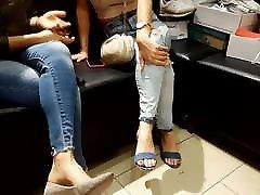 iskrene fr&039;s seksi feets prste v pantyhose ceo mom anti