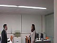strog šef kaznuje ji hawt delavec za titillating ji