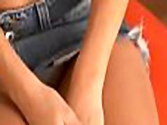 Horny teen toys her bald starving raip neiber in a solo act