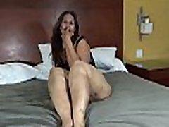 beautybuttplumper.com Laura Hernandez Mexican BBW Big Legs