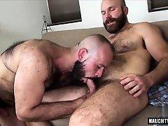Hairy shower head cum bareback and cumshot