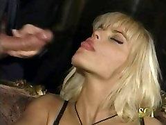 Anita Blond from Racconti Napoletani o diario e frateme