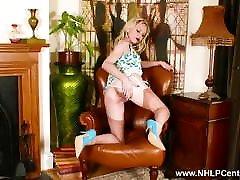 blond babe ribad maha pitsist aluspüksid, et wank aastal õhuke nailon