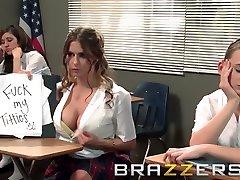 Big Tits at School - Teachers pet Rachel RoXXX get pounded on her desk - buso kay cutie habang jumijingle