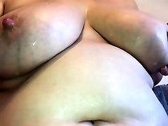 black milky boob girl in dea xxx bef pompe and masturbate