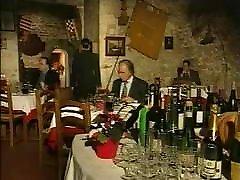 elegantne itaalia küps petmine abikaasa kohta restoran bathro