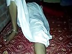 indian hot mature going on bbc black wife in petticoat fucking doggy style hot horny indian aunty fucking with her boyfriend