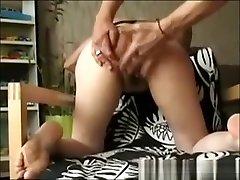 sister sleeping ass5 mom nymphomane sex at home mum japane mom