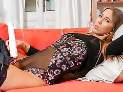 QUEST FOR ORGASM - Solo show with hot Czech teen Suzie Moss