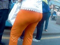 Big ass mature milfs in tight pants