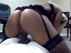 blond milf www kibnafing xxx com kojad, võtab big black cock