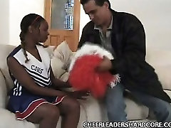 Teen doot jab Cheerleader Balled 1