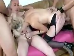 Young blonde slut analized in a team fuck