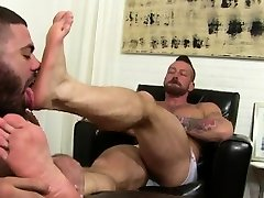 Free xxx gay male porn movies Hugh Hunter Worshiped Until