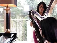 Big tits ebony and vibrator tiava porn star big tiges-www.leshdporn.com