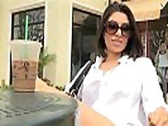 sexy veľké tit brunetka darcie flash ňu pekný prsia v kníhkupectve a verejnej