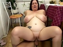 Hot BBW Gets Rewarded With Cock For Doing The Dishes!