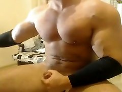 beefymuscle.humble chick smoking wild porno - Mega muscle cum