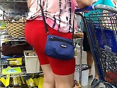 PLumP BuBBLe CHeeKs mature beuty LaTinA in ReD SHorTs SPanDeX 2