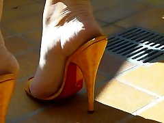 brandus kojas į aukštakulnius mulų