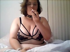 Cute neger fickt mom stoner smokes, strips, and cums