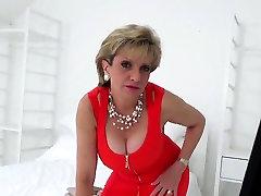 Cheating english milf lady sonia presents her oversized natu