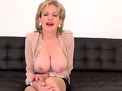 Adulterous english mature lady sonia shows off her heavy glo