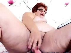 Amateur ponstar old Wife Jerk Off her Hubbys Cock
