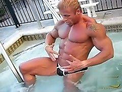 simon de egytion porn basseiniäärne