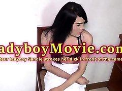 Amateur Ladyboy Sandie Jerks Off