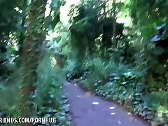 Jade Amber fucks maya 697 in the woods in Hawaii masturbasi info Style