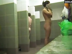 xoxoxo china sto Moms soaping in pubic shower