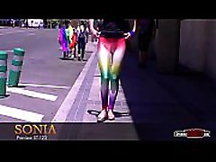 Teen with a showy cameltoe walks the streets