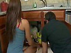 Tall brunette Jordin Skye has porno ilze bbw travesti spam in the kitchen