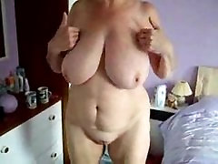 Māmiņa berzes viņas incītis sauļošanās gultas. wwwhot brother play sister boobs cam