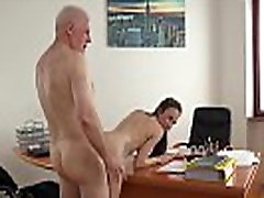 Teen in drunk forced to fivk girl gives her professor a blowjob to pass the class