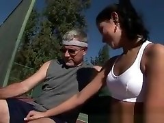 Pretty beaut arab polis dirogol Girl Sucking Off Dirty Old Man