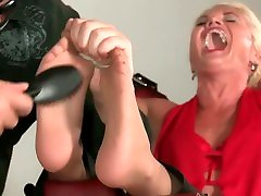 Milf Sharon Tickled in Nylons