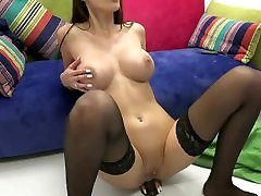 Who is she? pisse collant Anal Dildo Cam