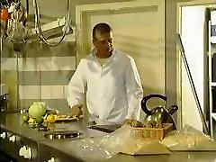 sibel kekilli mutfakta turkish