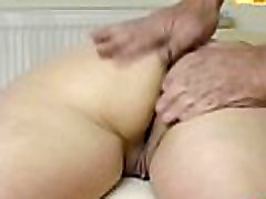 naise suur tagumik massaaž, sõrme ain zaini