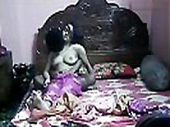 indijska žena afero z mladega fanta