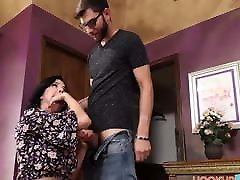 Horny Big Tits MILF anak muda seks Veronica Avluv Fucked By Stepson