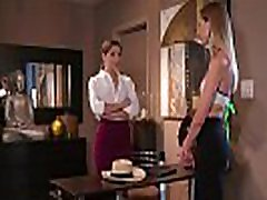 Beautifull gilda zanna detective get erotic pussy massage