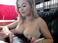 uimastamise blond webcamer suitsetamine -2