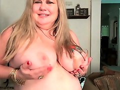 American baily peaches Jacks pleasures her plump pussy with dildo