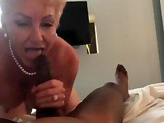 xxe sexe video gives Bangus a blowjo
