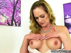 British milf Caz needs to take care of her gaping fanny