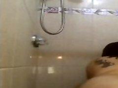 BBW bounces ass in shower